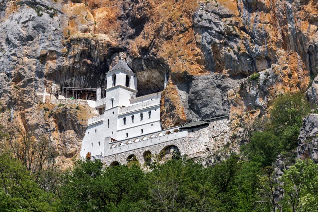 Látnivalók Montenegróban - Ostrog