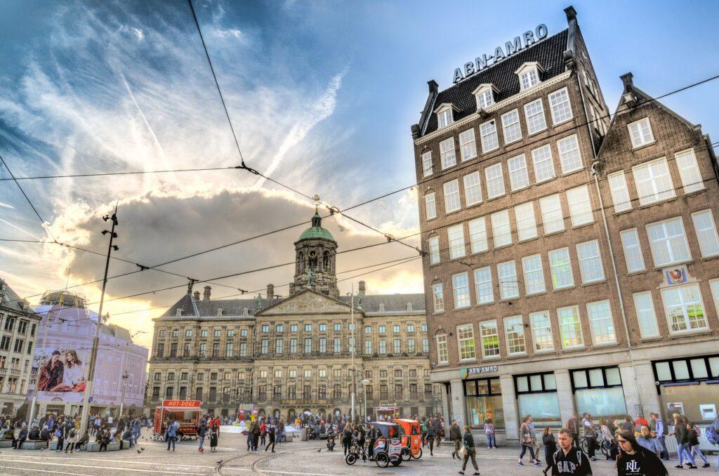Látnivalók Amszterdam: Dam tér