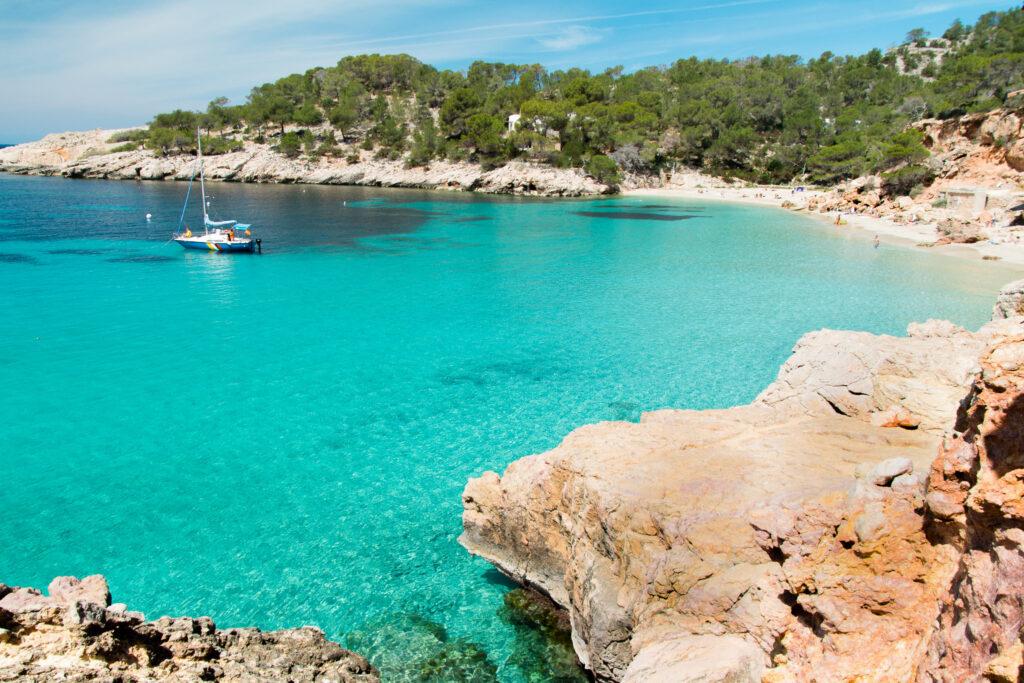 Ibiza látnivalók - Cala Blanca