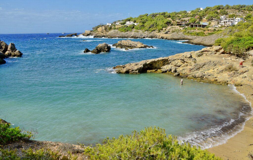 Ibiza látnivalók - Cala Carbó