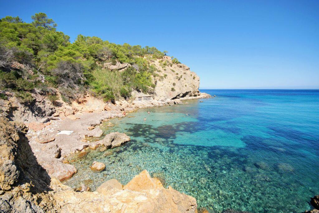 Ibiza látnivalók - Cala Xarraca