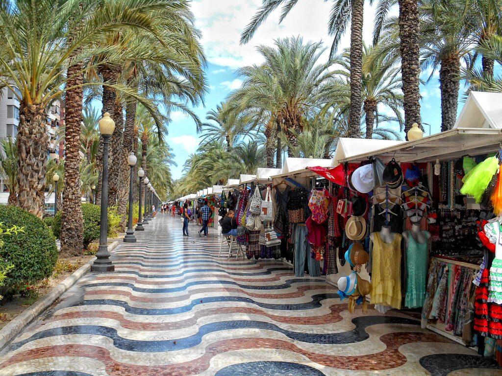 Alicante látnivalók: Explanada de España