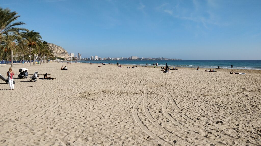 Alicante látnivalók: Playa de Postiguet