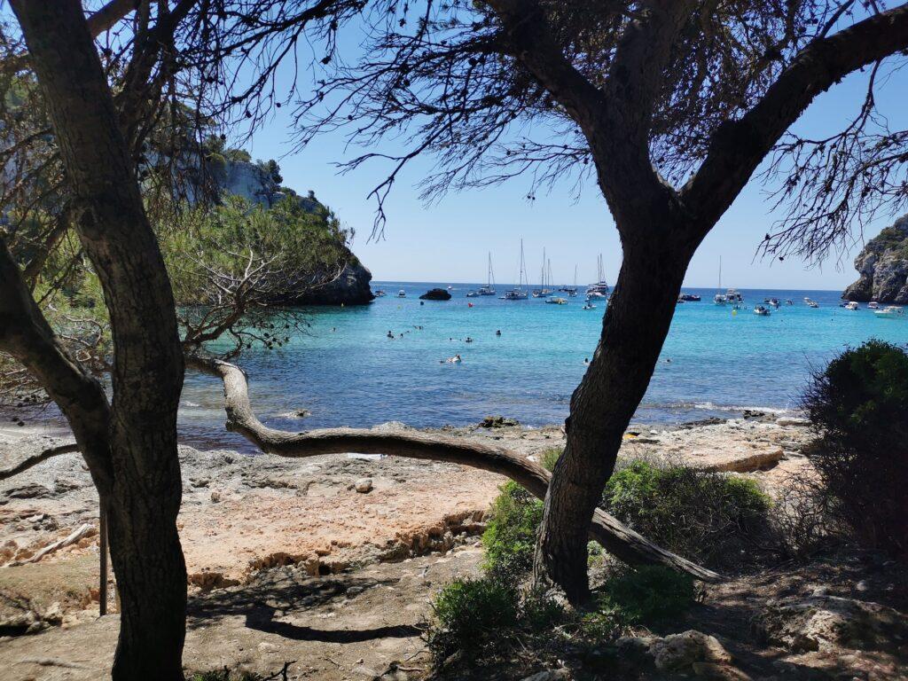 Menorca látnivalók: Cala Mitjana