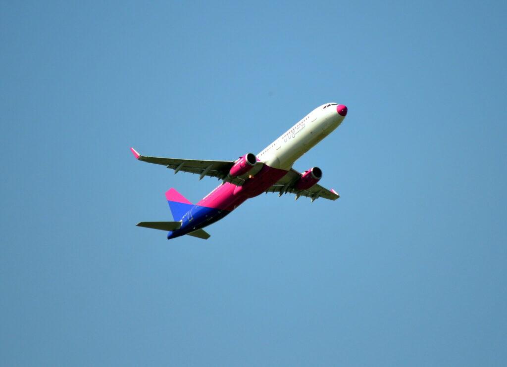 Wizz air járattörlés: költségek behajtása