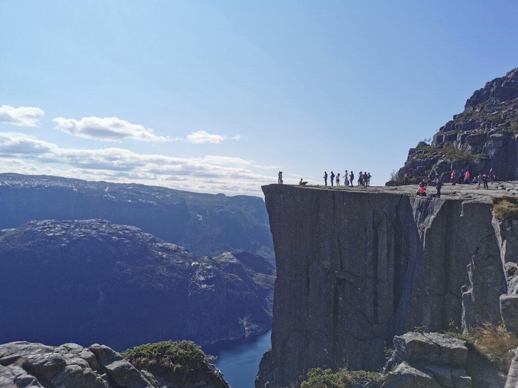 Preikestolen túra: oldalról a szikla